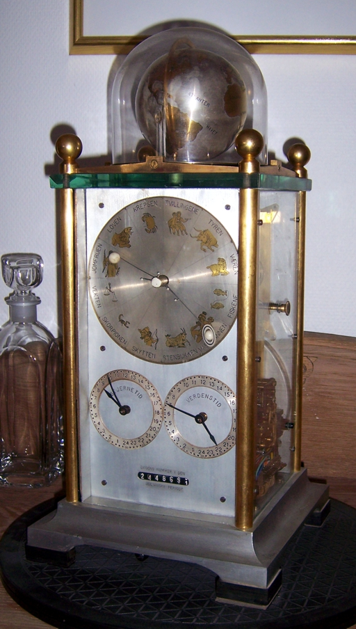 Photo of the right side of clock No. 1